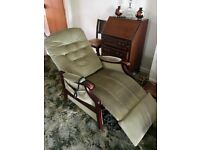 Reclining electric arm chair - good condition