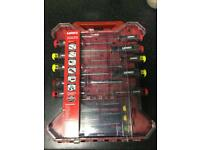 BRAND NEW Hart 16Pc Screwdriver set