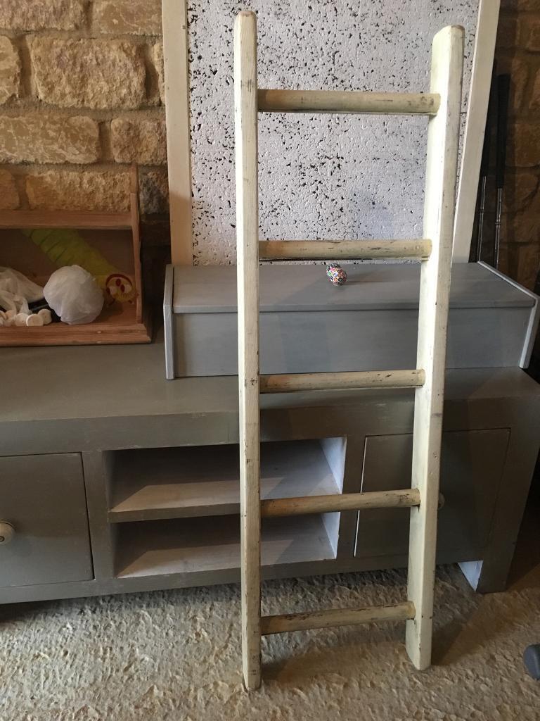 Shabby chic decorative ladder