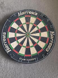 Harrows Club Classic Bristle Dartboard + Darts (Free Delivery)