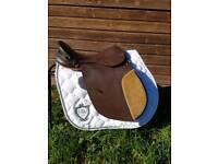 """17"""" Leather Saddle"""