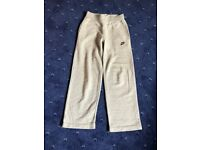 Nike girls fleece grey sweatpants Age 8/10