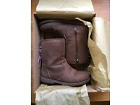 Genuine girls Ugg Corene Boots UK 11
