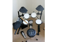 Roland TD-6V Electric 5 piece Drum Set (8 with Hi-Hat and cymbals)