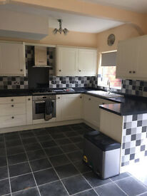 3 bedroom terraced house to rent The Quadrant, HULL