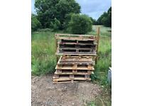 12x FREE PALLETS/CRATES Good building/firewood