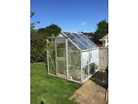 6' x 6' Qualcast Green House For Sale