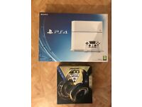 Sony PlayStation 4 Ps4 white 500gb boxed with Turtle beach and 3 games!