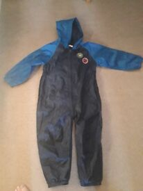 All in one waterproof rain suit age 4 to 5