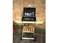 Barbecue: Outback Omega Charcoal 200