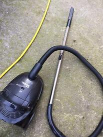 Vacuum light weight with bags ( gosforth)