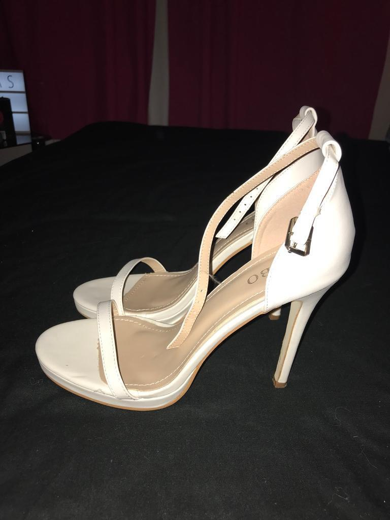 Size 6 white heels