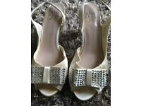 Moss kg ivory shoes size 6