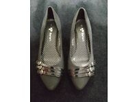 BRAND NEW: Womens Smart Black low heel shoes- Size 4