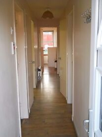 Centrally located 2 bedroom flat £520 per month