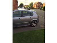 """Vauxhall Astra 1.9 cdti Sri 150 with exterior pack and 18"""" sport Sri wheels"""