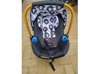 Baby cosatto car seat