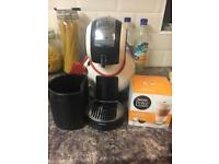 Coffee machine and coffee pods