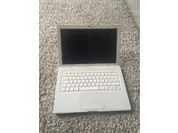 2009 White MacBook - Good Cosmetic Conditon - For parts/spares (does not power up)