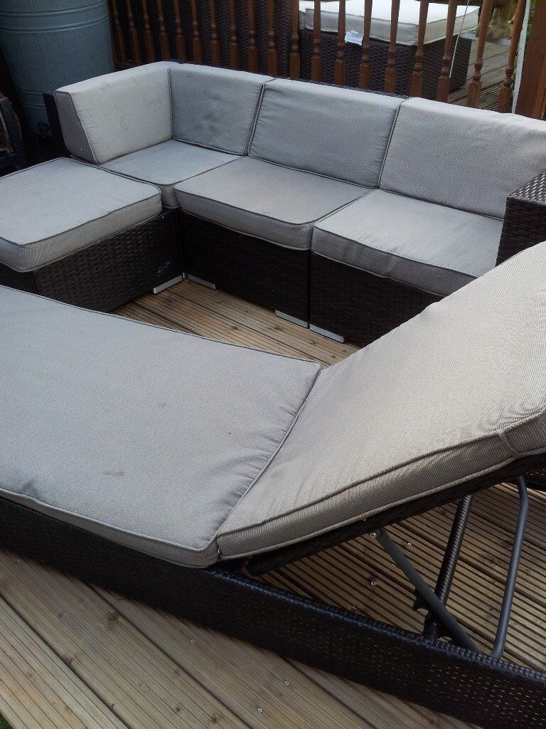 NEW REAL RATTAN CORNER SET+LARGE DAYBED CAN DELIVER