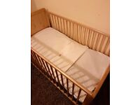 Baby cot junior. The baby cot is for 0 to 5 years, in good condition