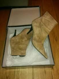 Roland Cartier ankle boots size 6