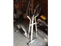 REEBOK CROSS TRAINER ELIPTICAL FITNESS MACHINE EXCELLENT CONDITION £80 ONO (RRP £300)