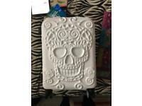 IT luggage white skull case - BNWT