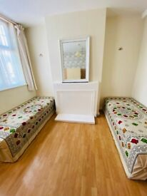 ROOM SHARE Only 1 Minute Walk From Kingsbury TUBE Station