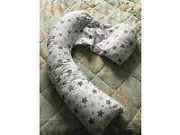 Dreamgenii pregnancy pillow. Nursing pillow.