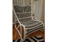 Grey/white wicker chair