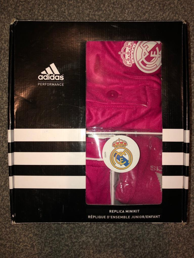 low priced 9c2c6 92d4f Adidas Real Madrid ronaldo football kit 5-6 years | in Bradford, West  Yorkshire | Gumtree