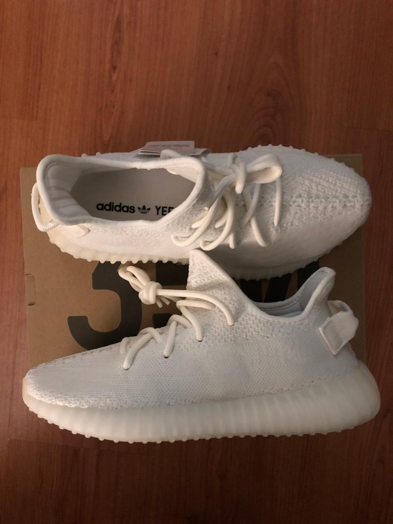save off 71538 e4477 Yeezy boost 350 V2 triple white