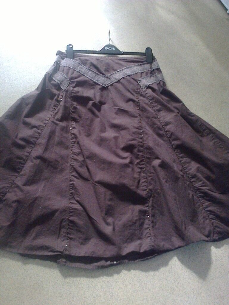 30a3f6acf3 ladies Bon Marche brown pull on skirt half elastic waist size 16 lenght ...