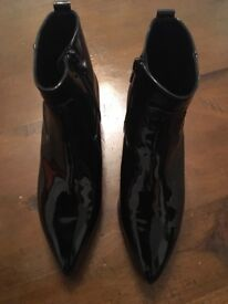 Russell&Bromley patent leather ankle boots (Size 37)