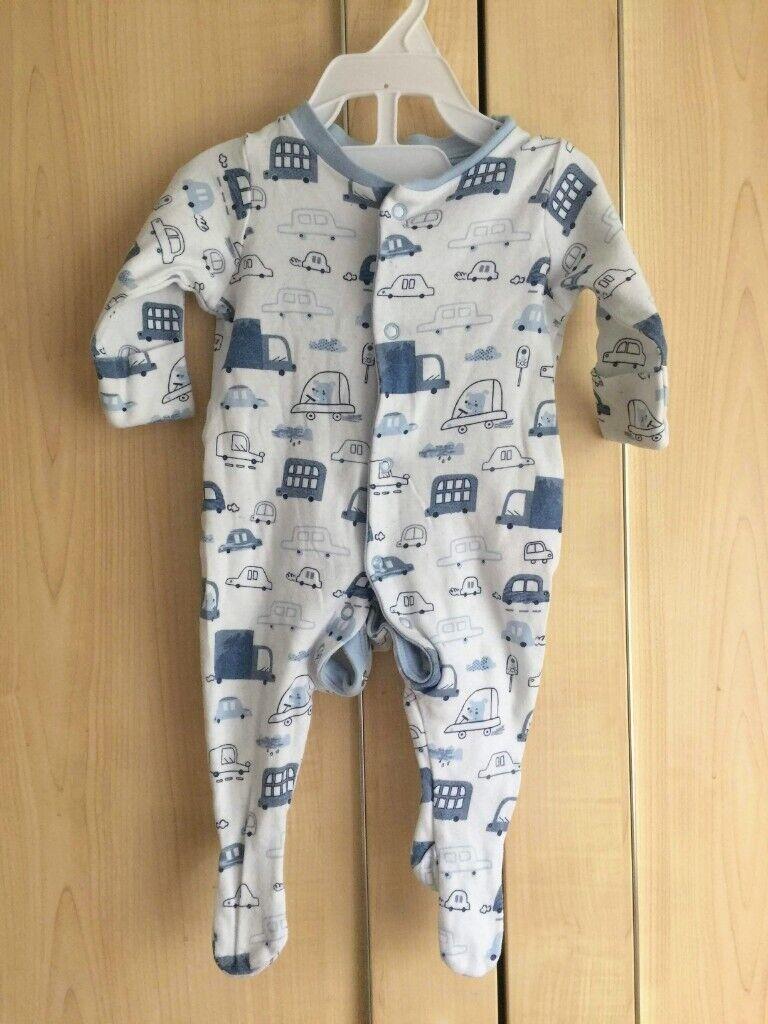 d43aecd139fa Baby boy 17 sleepsuits 0-3 mothss newborn