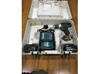 Used makita 18v drill 2x 3ah battery's charger and case