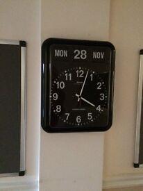 Wall-Mounted Perpetual Calendar Clock - Black