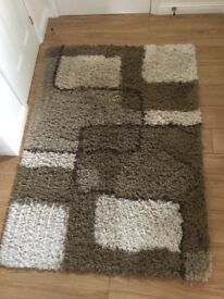 Brown Rug 120 x 170 excellent condition - £10