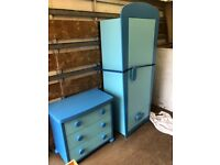 Wardrobe and matching chest of draws can deliver locally