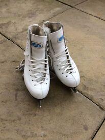 Belati ice skates