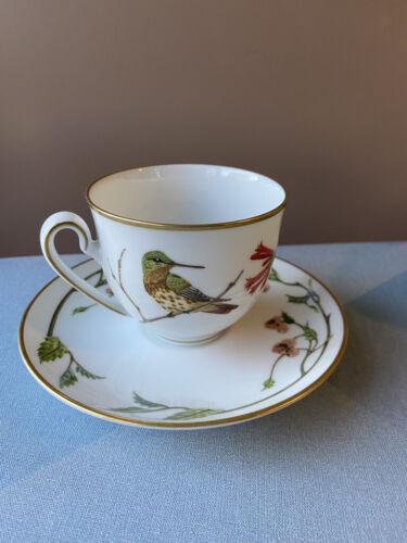 Hummingbirds of the world  World Wildlife Fund 1979 cup and 2 saucers.