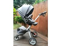 Stokke Xplory v4 stroller with car seat