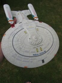 Playmates Star Trek Starship Enterprise NCC-1701