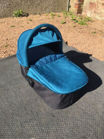 Baby Jogger Deluxe Carrycot Teal + Sheepskin Liner