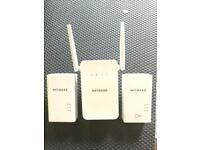 Netgear WIFI plug-in Range extender Kit. PWL1000 and 2 x PL1000 + Ethernet cables.
