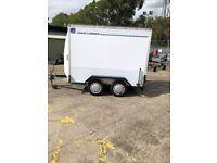 8 x 5 box trailer with shutter door