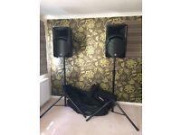 Mackie SRM450 V2 speakers (2 off)