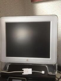 Apple 17inch studio display M7649