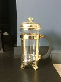 The Classic Le Cafetière. 8 cup size. One of the UK's first prestige coffee pots